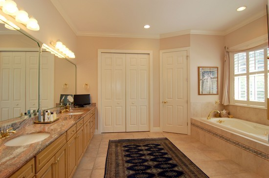 Real Estate Photography - 904 Anchorage, Tampa, FL, 33602 - Master Bathroom