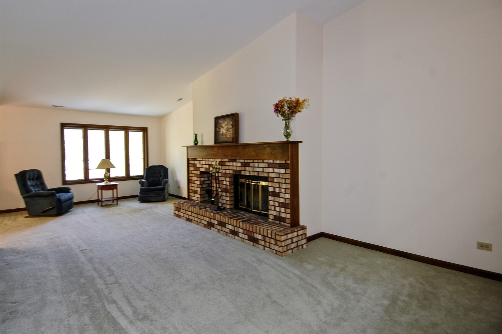 Real Estate Photography - 5805 Wild Plum Rd, Crystal Lake, IL, 60014 - Living Room