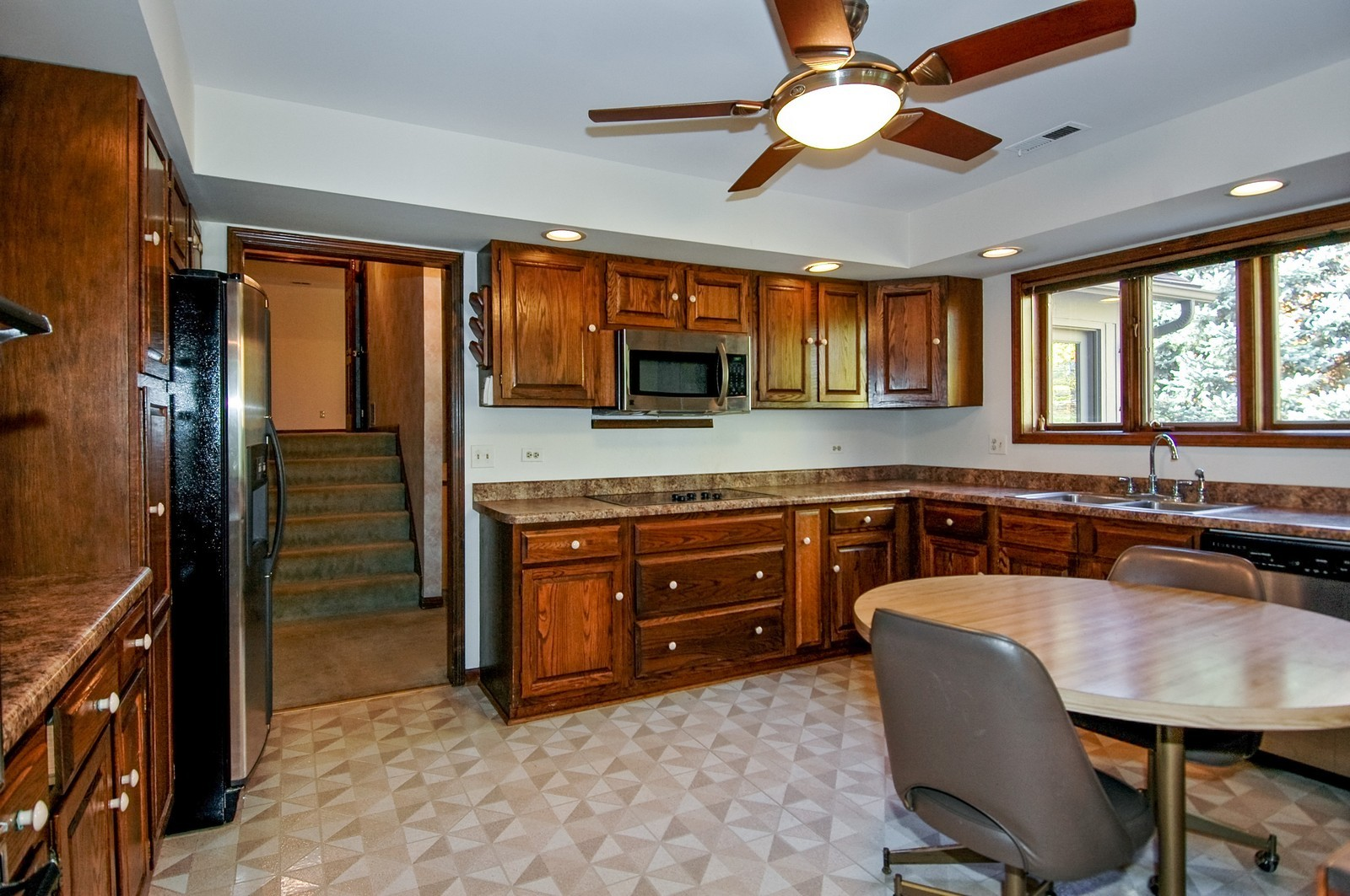 Real Estate Photography - 5805 Wild Plum Rd, Crystal Lake, IL, 60014 - Kitchen