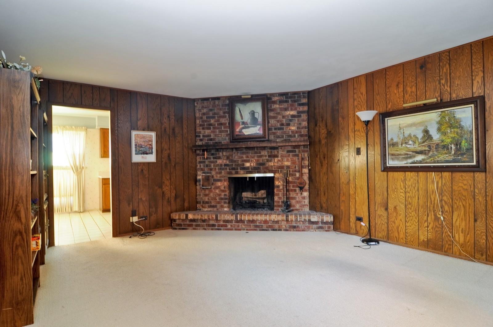 Real Estate Photography - 540 Brighton Ln, Palatine, IL, 60067 - Family Room