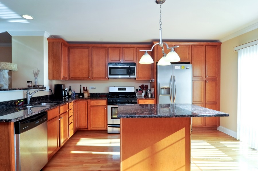 Real Estate Photography - 286 Robertson, Palatine, IL, 60067 - Kitchen
