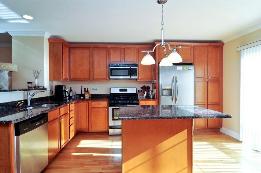 Real Estate Photography - 286 Robertson, Palatine, IL, 60067 - Kitchen