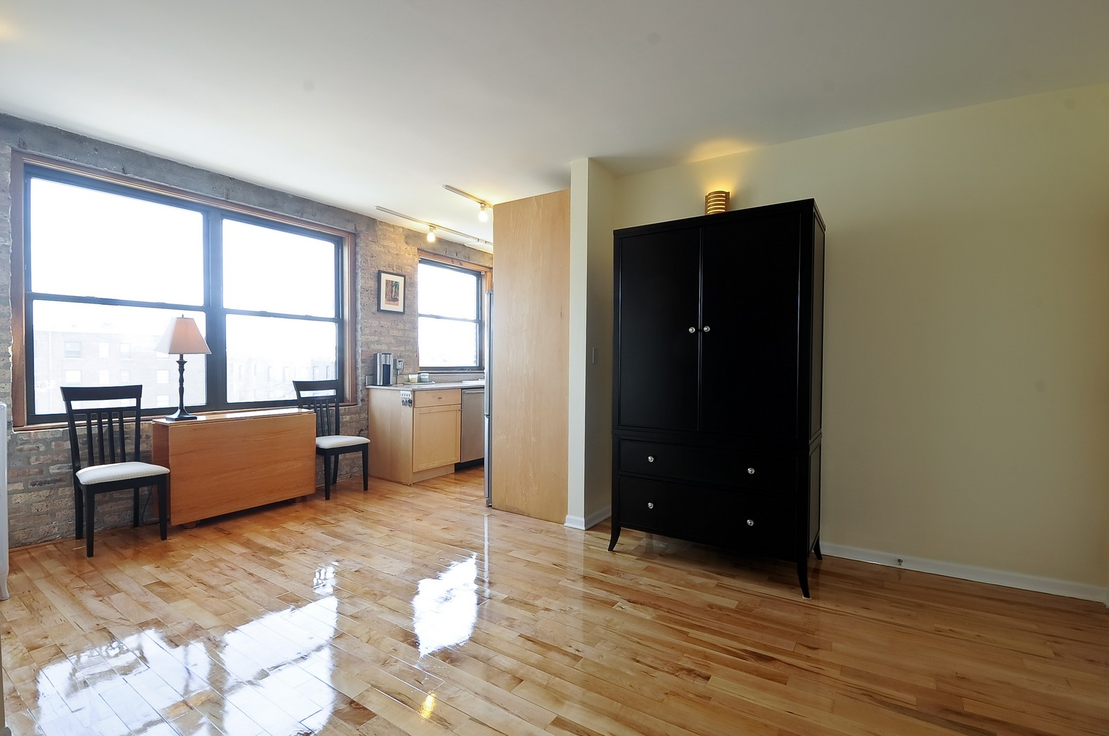 Real Estate Photography - 4630 North Beacon, #4B, Chicago, IL, 60640 - Great Room