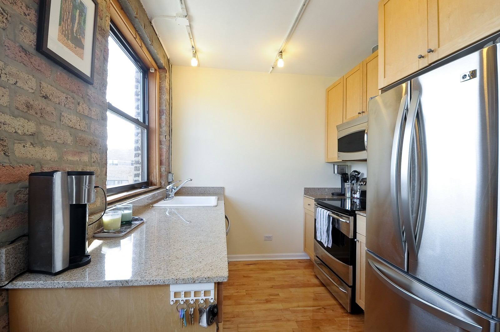 Real Estate Photography - 4630 North Beacon, #4B, Chicago, IL, 60640 - Kitchen