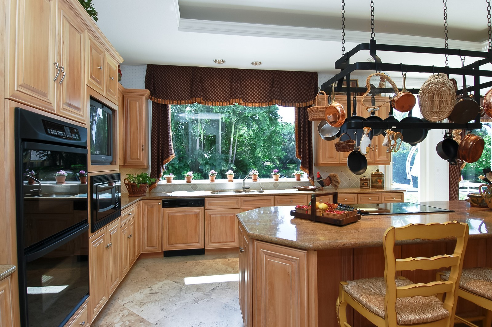 Real Estate Photography - 19674 OakbrookCourt, Boca Raton, FL, 33434 - Kitchen
