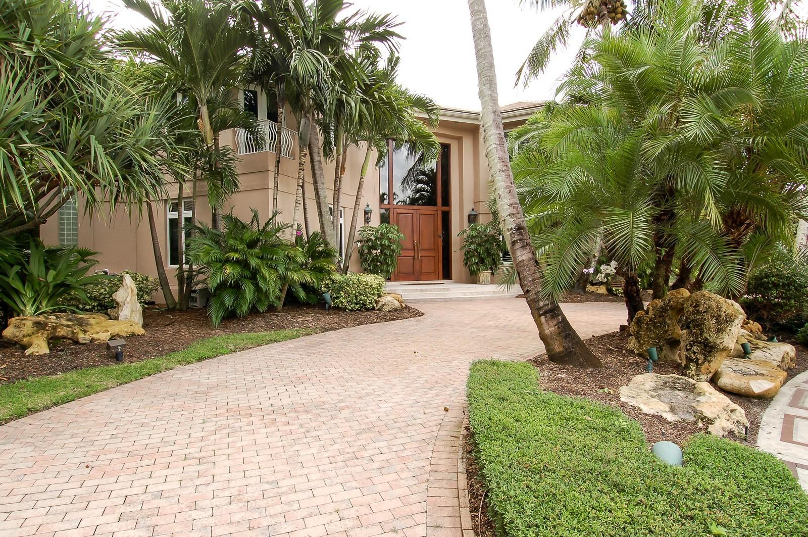 Real Estate Photography - 19674 OakbrookCourt, Boca Raton, FL, 33434 - Front View