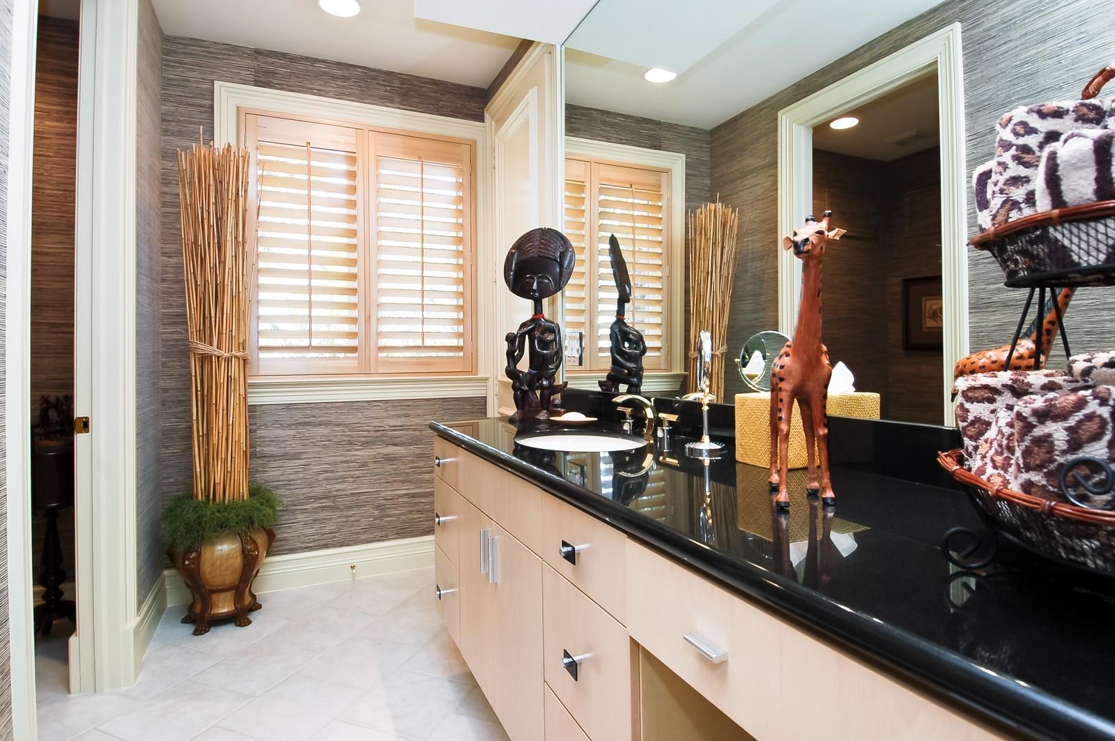 Real Estate Photography - 19674 OakbrookCourt, Boca Raton, FL, 33434 - 2nd Bathroom