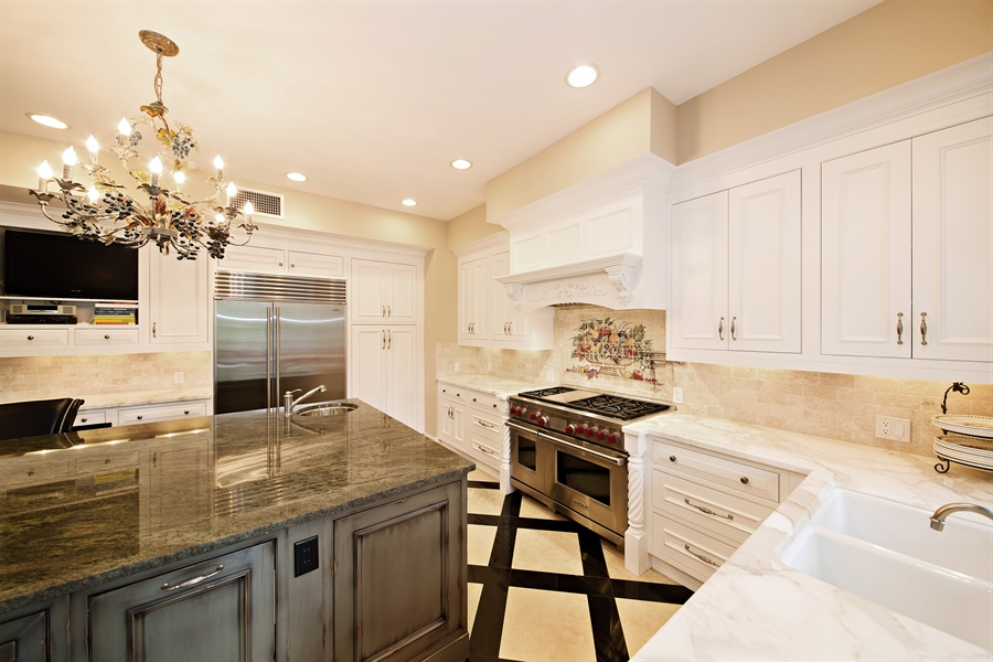 Real Estate Photography - 4305 NW 24TH Way, Boca Raton, FL, 33431 - Kitchen