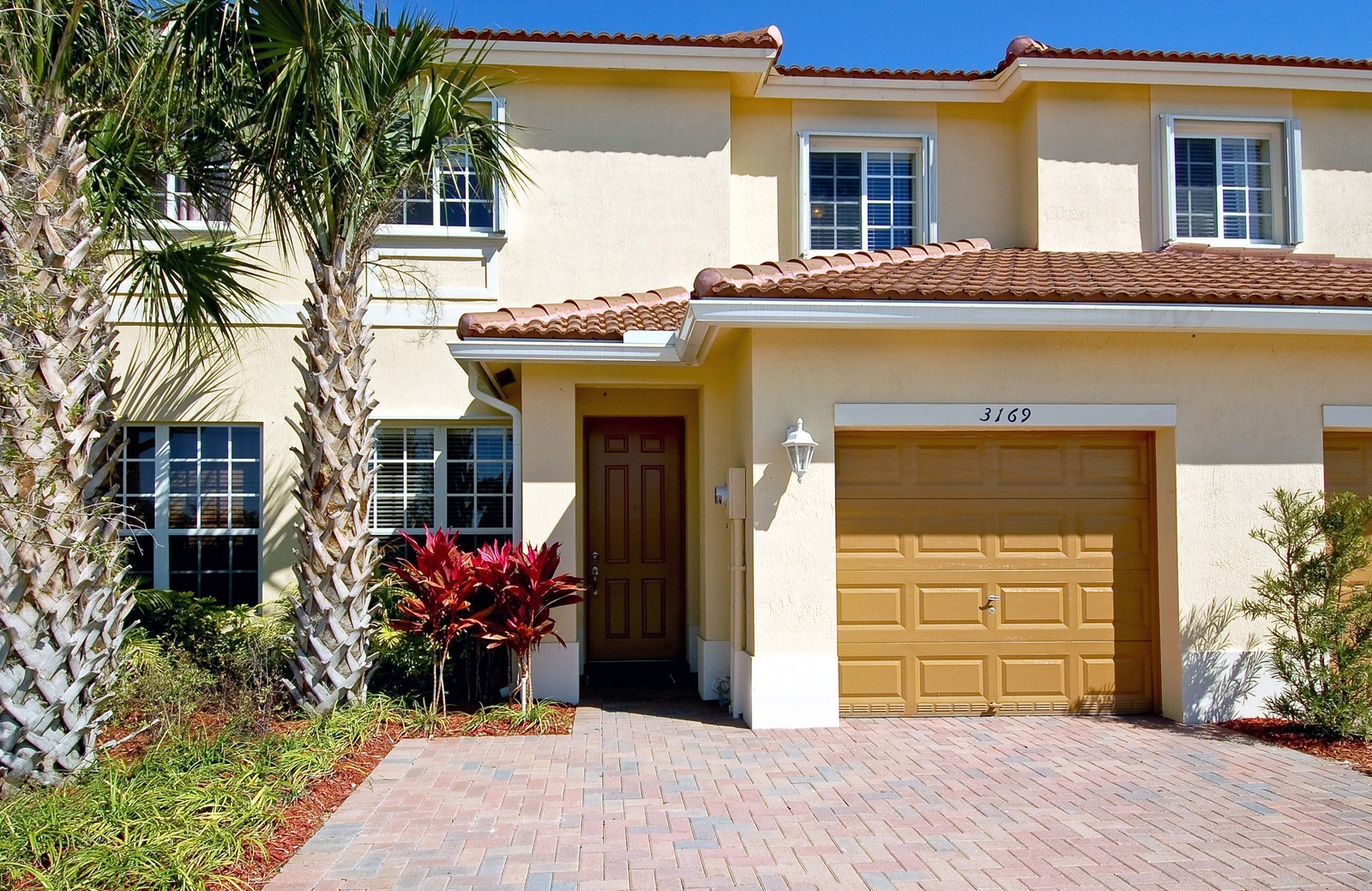 Real Estate Photography - 3169 NW 32nd St, Cayman Model, Oakland Park, FL, 33309 - Front View