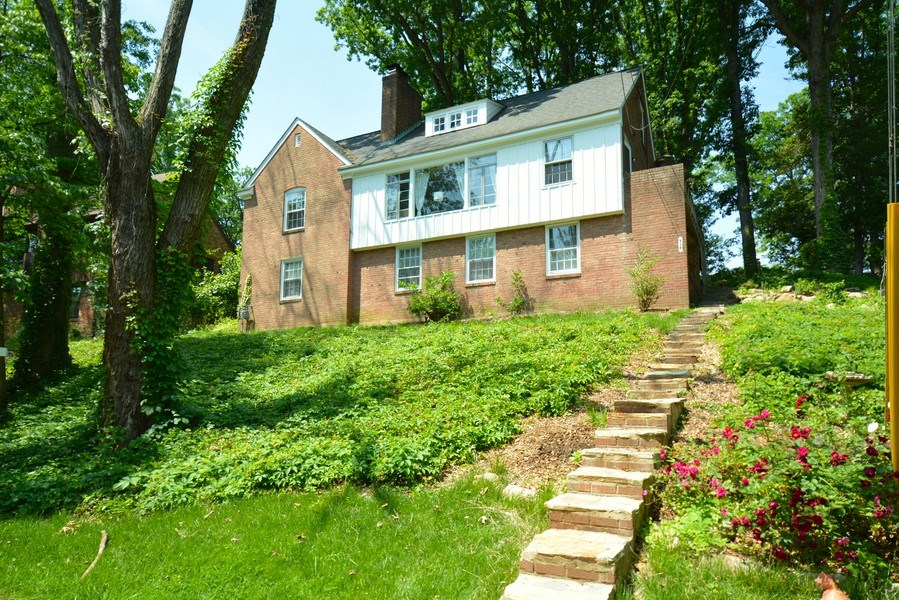 Real Estate Photography - 918 W. Timber Branch Pkwy., Alexandria, VA, 22302 - Front View