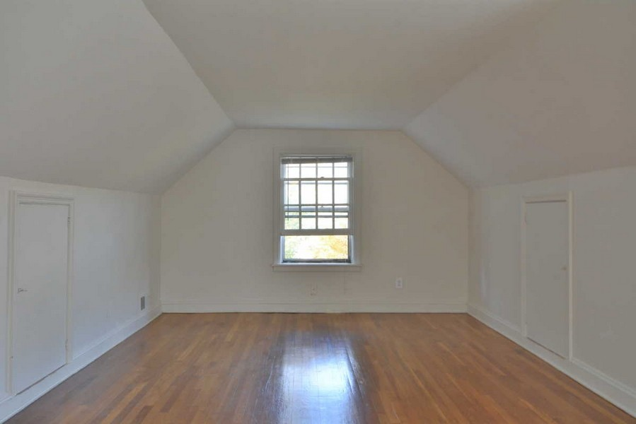 Real Estate Photography - 918 W. Timber Branch Pkwy., Alexandria, VA, 22302 - Bedroom