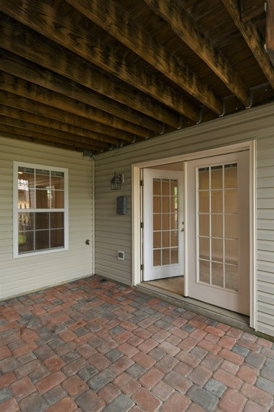 Real Estate Photography - 678 McLeary Sq, Leesburg, VA, 20175 - Patio