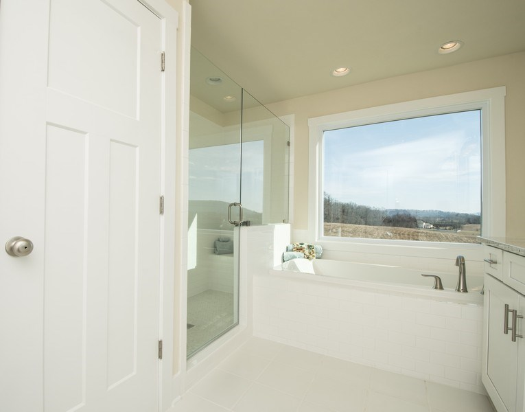Real Estate Photography - 40877 Yakey Ln, Lovettsville, VA, 20180 - Master Bathroom