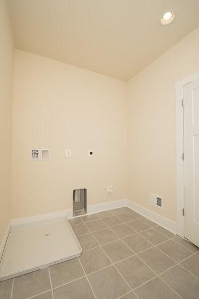Real Estate Photography - 40877 Yakey Ln, Lovettsville, VA, 20180 - Laundry Room