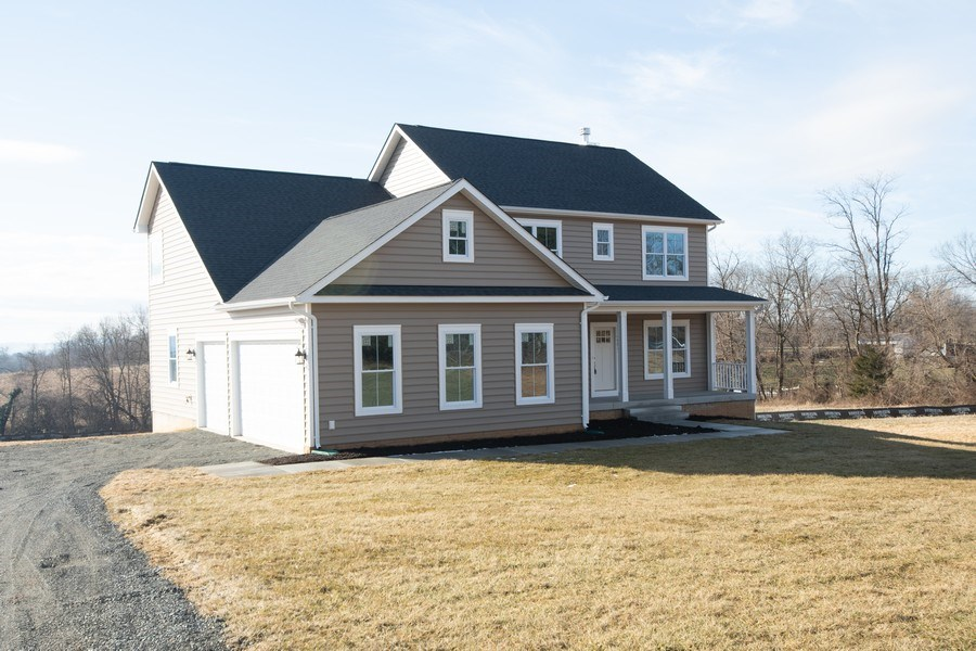 Real Estate Photography - 40877 Yakey Ln, Lovettsville, VA, 20180 - Front View