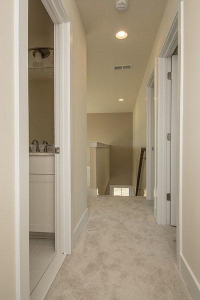 Real Estate Photography - 40877 Yakey Ln, Lovettsville, VA, 20180 - Hallway