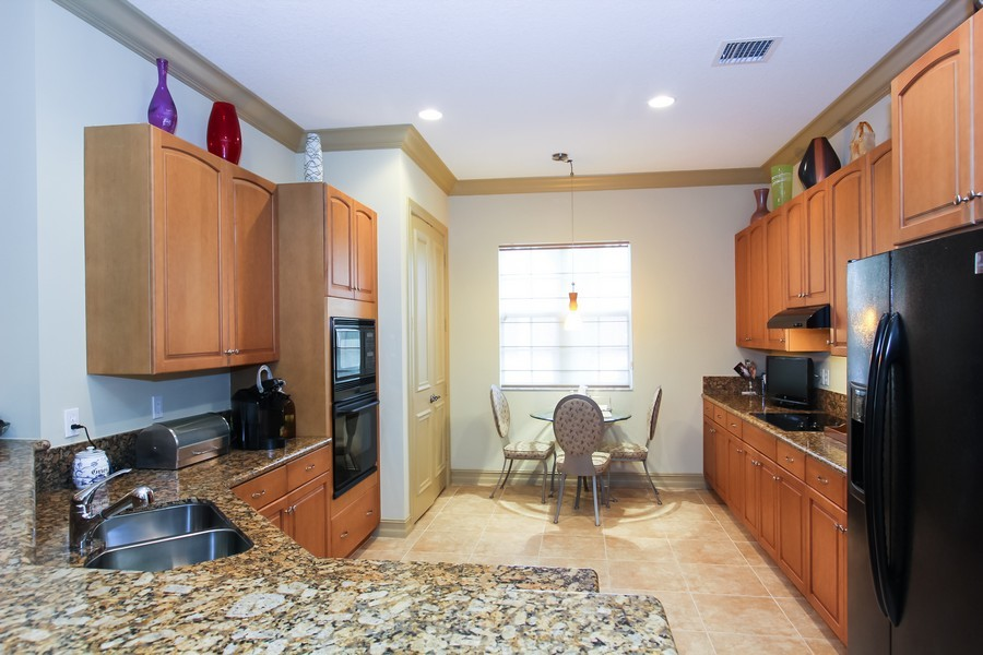 Real Estate Photography - 325 chambord terr, pbg, FL, 33408 - Kitchen