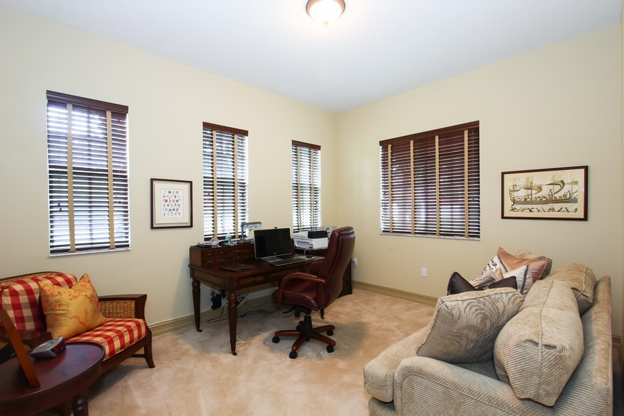 Real Estate Photography - 325 chambord terr, pbg, FL, 33408 - Office