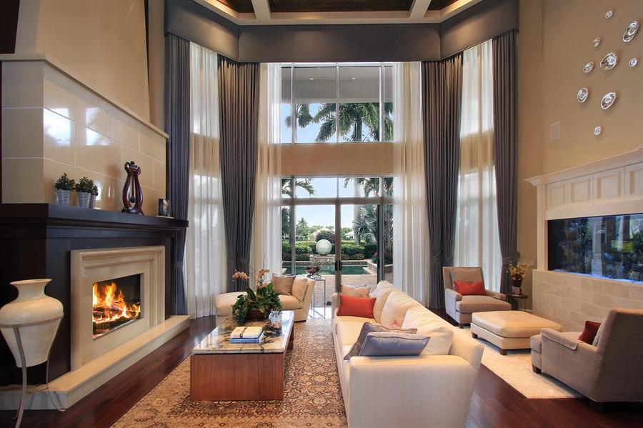 Real Estate Photography - 40 St. Thomas Drive, Palm Beach Gardens, FL, 33418 - Living Room