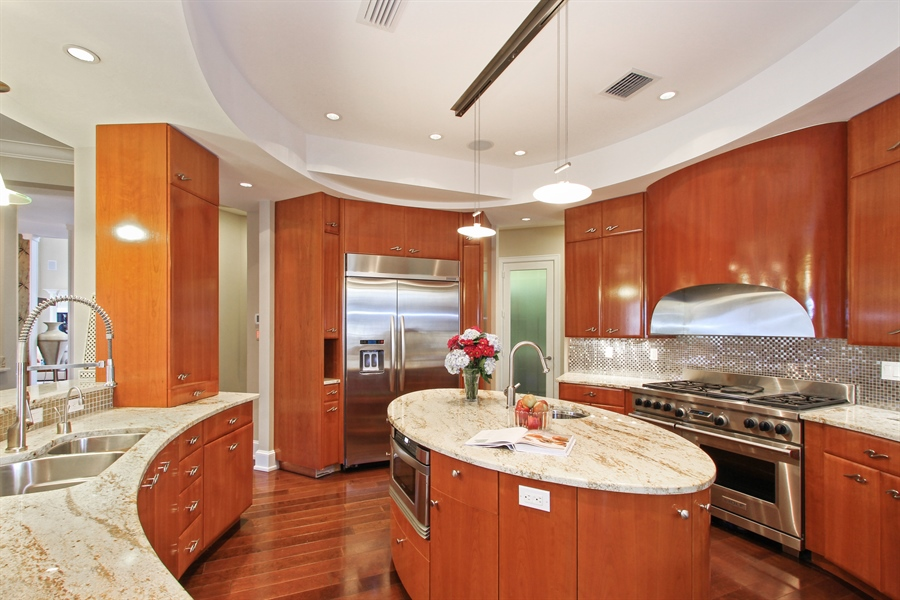 Real Estate Photography - 40 St. Thomas Drive, Palm Beach Gardens, FL, 33418 - Kitchen