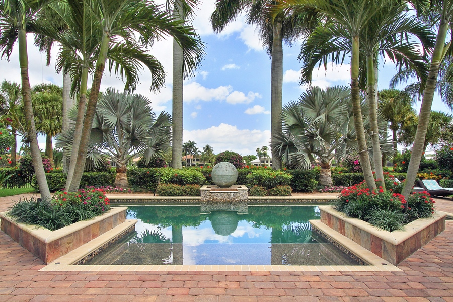 Real Estate Photography - 40 St. Thomas Drive, Palm Beach Gardens, FL, 33418 - Pool