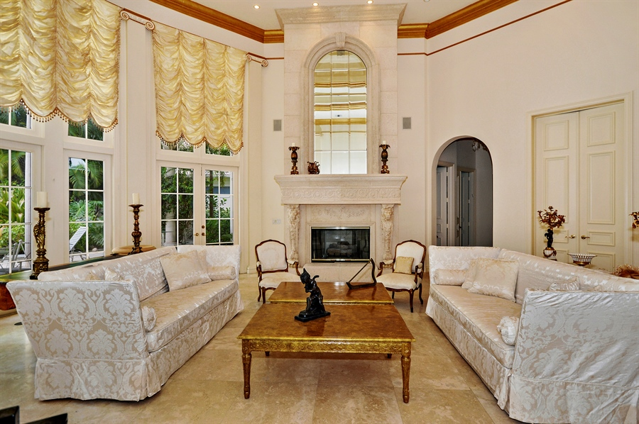 Real Estate Photography - 215 Grand Pointe, Palm Beach Gardens, FL, 33418 - Living Room