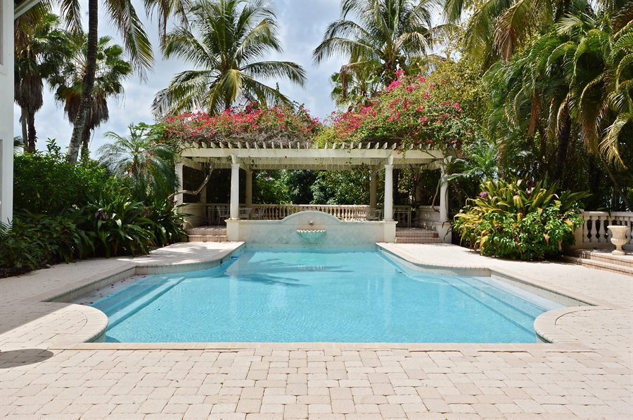 Real Estate Photography - 215 Grand Pointe, Palm Beach Gardens, FL, 33418 - Pool