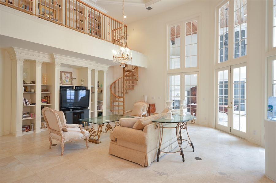 Real Estate Photography - 215 Grand Pointe, Palm Beach Gardens, FL, 33418 - Family Room