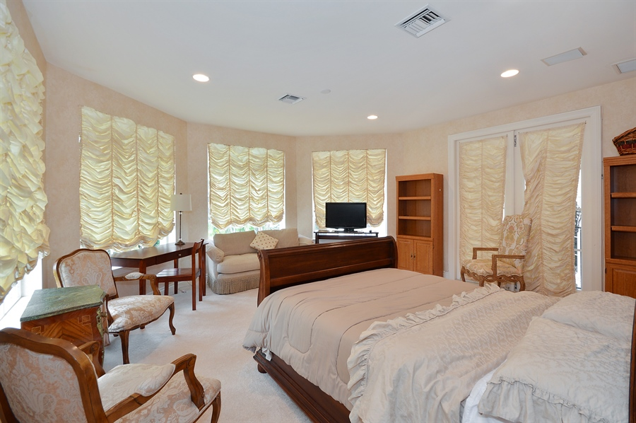 Real Estate Photography - 215 Grand Pointe, Palm Beach Gardens, FL, 33418 - Guest House Bedroom