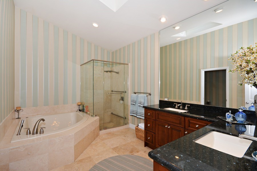 Real Estate Photography - 13893 LEHAVRE DR, PALM BEACH GARDENS, FL, 33410 - Master Bathroom