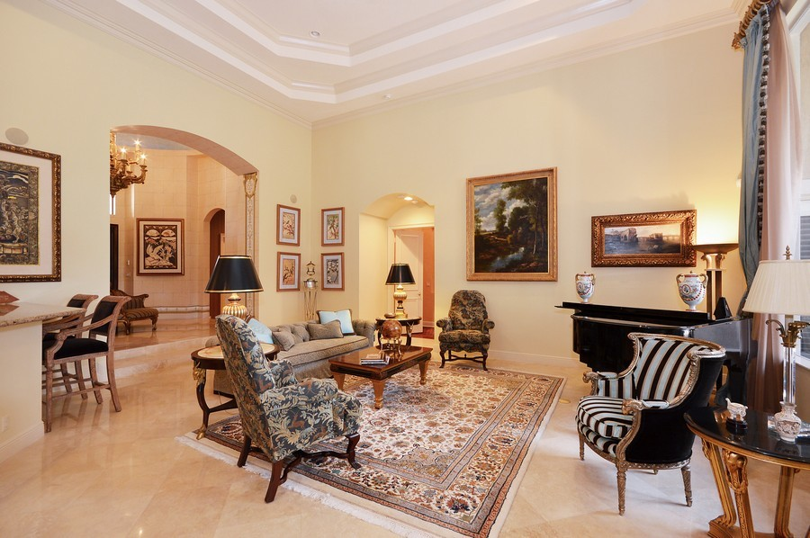 Real Estate Photography - 417 Savoie Dr, Palm Beach Gardens, FL, 33418 - Foyer/Living Room