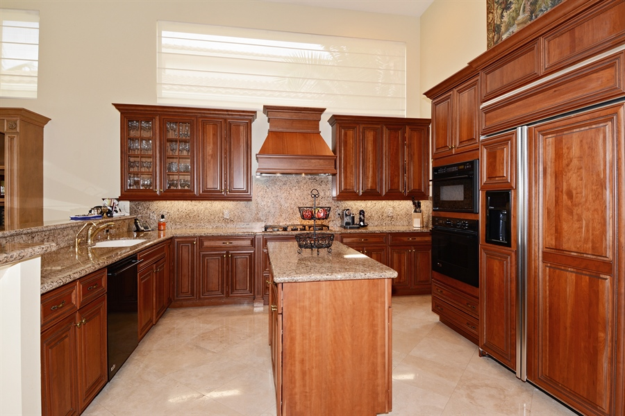 Real Estate Photography - 417 Savoie Dr, Palm Beach Gardens, FL, 33418 - Kitchen