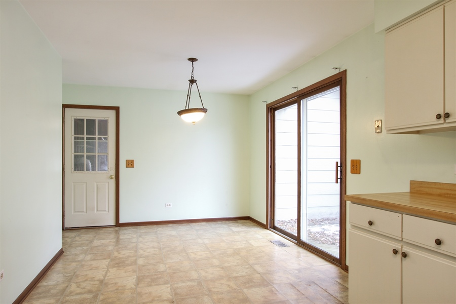 Real Estate Photography - 141 Oak Lane Dr, Lake Villa, IL, 60046 - Dining Room
