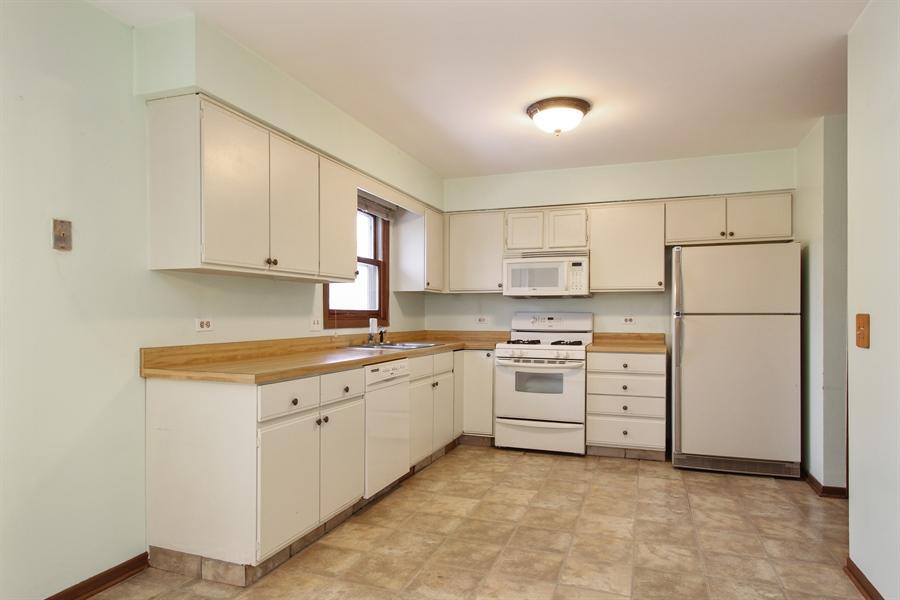 Real Estate Photography - 141 Oak Lane Dr, Lake Villa, IL, 60046 - Kitchen