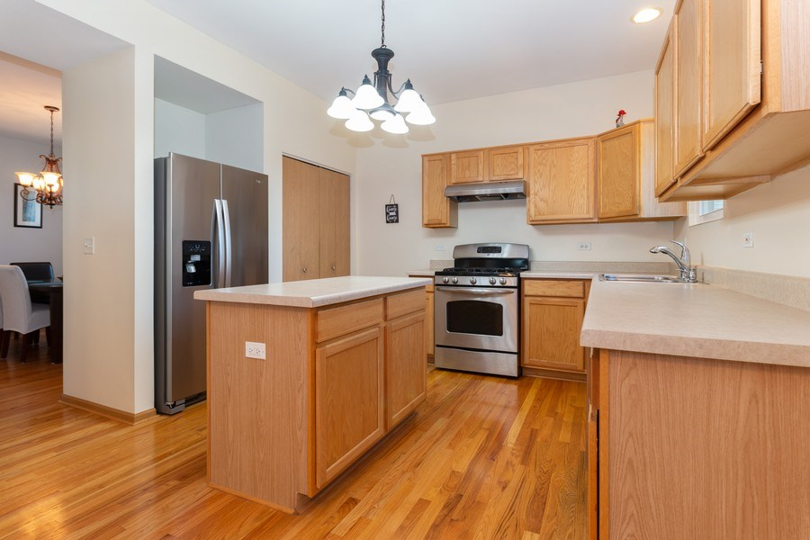 Real Estate Photography - 12214 Shagbark Drive, Plainfield, IL, 60585 - Kitchen