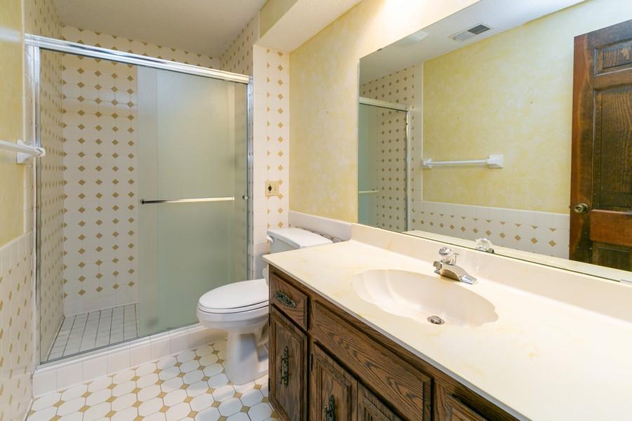 Real Estate Photography - 10924 Girard Curve, Bloomington, MN, 55431 - 3rd Bathroom