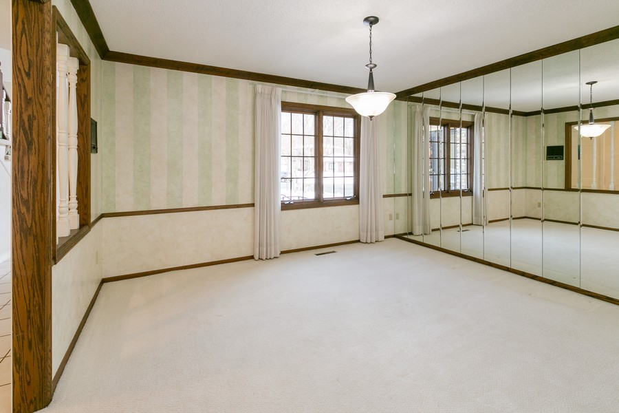 Real Estate Photography - 10924 Girard Curve, Bloomington, MN, 55431 - Dining Room