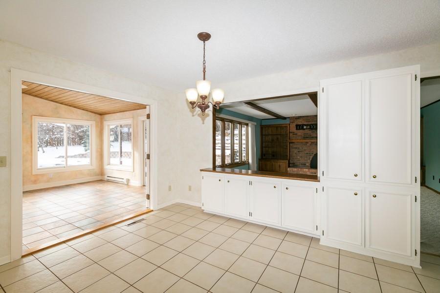 Real Estate Photography - 10924 Girard Curve, Bloomington, MN, 55431 - Breakfast Nook