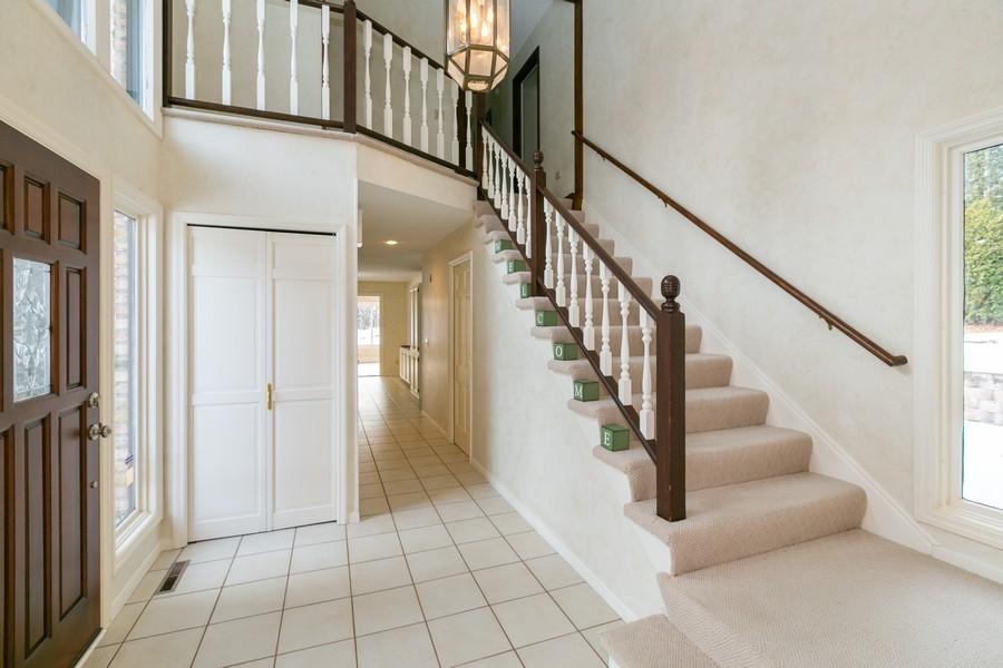 Real Estate Photography - 10924 Girard Curve, Bloomington, MN, 55431 - Entryway