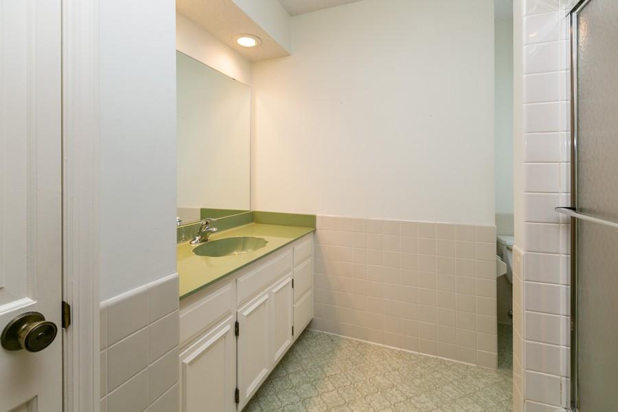 Real Estate Photography - 10924 Girard Curve, Bloomington, MN, 55431 - 2nd Bathroom