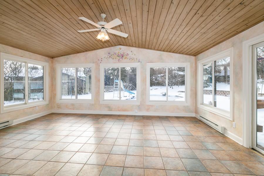 Real Estate Photography - 10924 Girard Curve, Bloomington, MN, 55431 - Sun Room