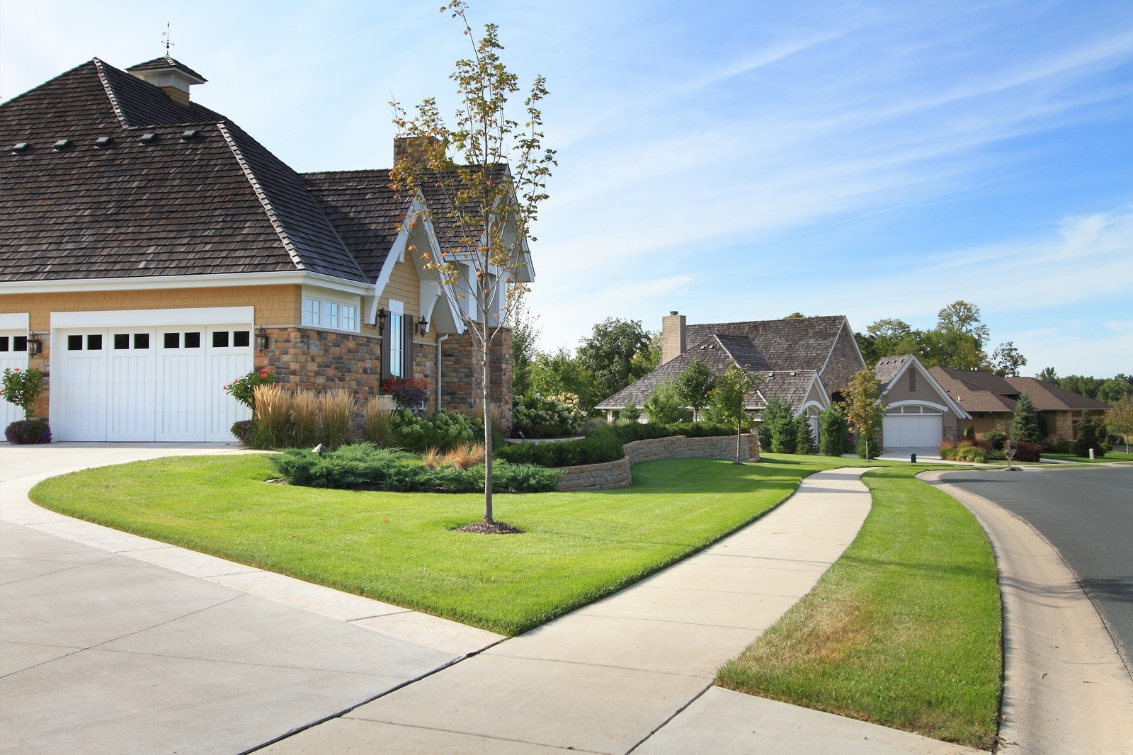 Real Estate Photography - 9627 Sky Lane, Eden Prairie, MN, 55347 - Front View