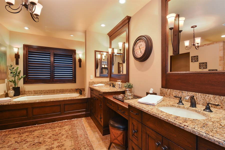 Real Estate Photography - 3771 Random Ln, Sacramento, CA, 95864 - Luxurious en suite Master Bath
