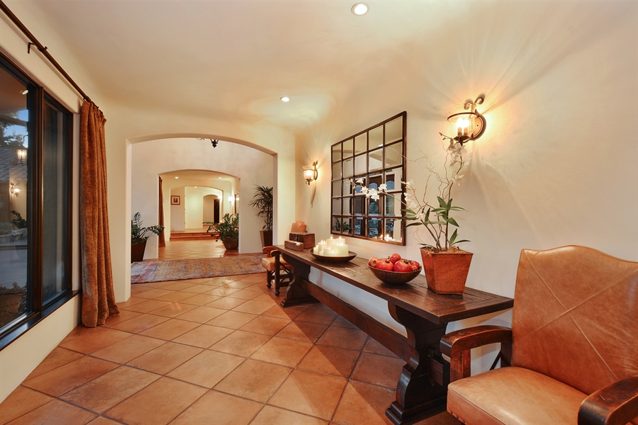 Real Estate Photography - 3771 Random Ln, Sacramento, CA, 95864 - Terracotta Foyer with arches &  bull-nose corners
