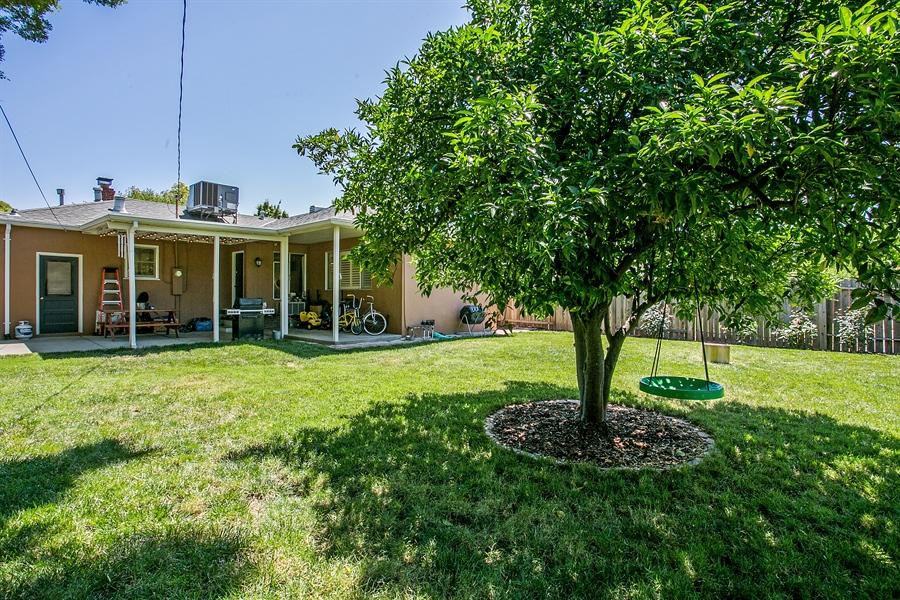 Real Estate Photography - 2319 Haldis Way, Sacramento, CA, 95822 - Back Yard