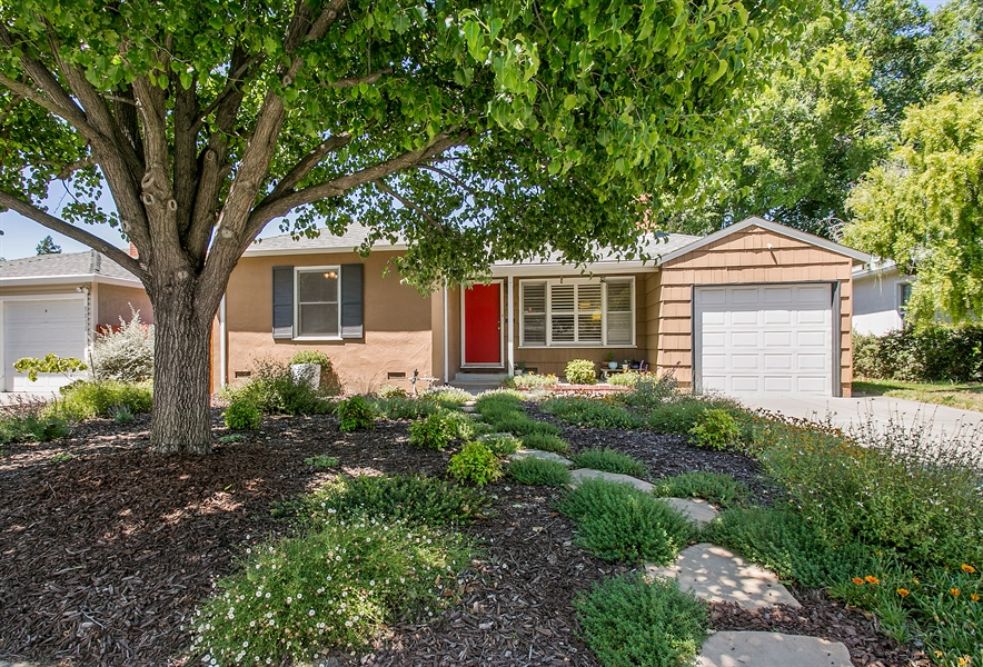 Real Estate Photography - 2319 Haldis Way, Sacramento, CA, 95822 - Front View
