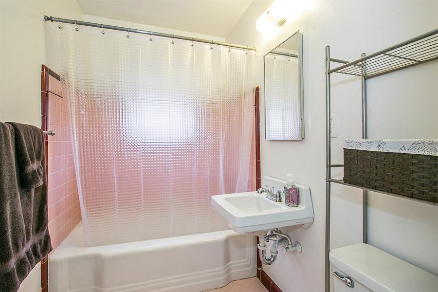 Real Estate Photography - 2319 Haldis Way, Sacramento, CA, 95822 - Bathroom