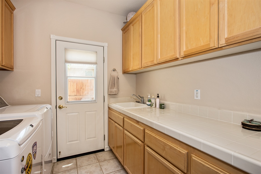 Real Estate Photography - 5721 Hoag, Davis, CA, 95618 - Laundry Room