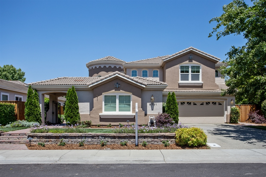 Real Estate Photography - 5721 Hoag, Davis, CA, 95618 - Front View
