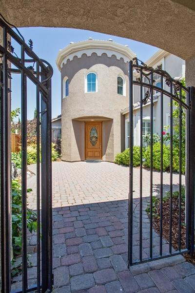 Real Estate Photography - 5721 Hoag, Davis, CA, 95618 - Entryway